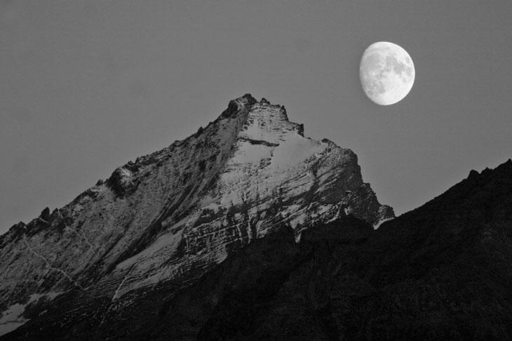 Vittorio Puggioni-La Grivola e la luna-6827